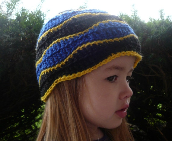 Dory Beanie child's winter hat, crochet in blue, yellow and black from Finding Nemo