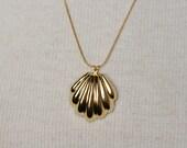 Seashell Necklace- Vintage Goldtone
