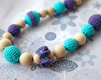 Teething necklace in aquamarine/ turquoise lilac/ violet. Crochet wooden beads necklace for her.