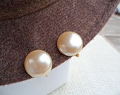Pearly Cream Vintage Button Earrings Clip-on