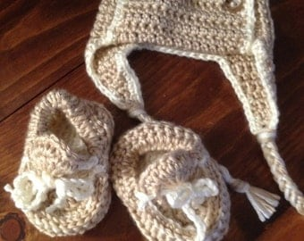 Hand knit/crochet Baby Moccasins and Aviator Earflap Hat Set