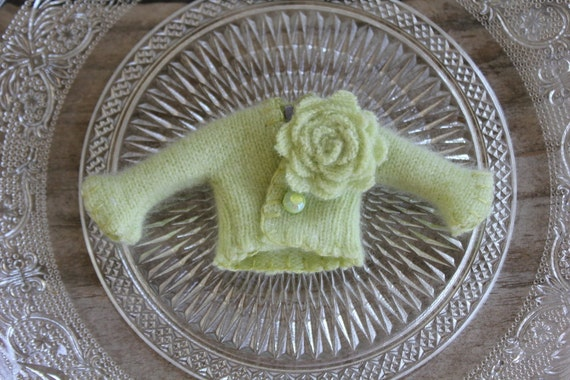 For Lati Yellow Dolls: Pale Lime Green Cashmere Cardigan with Removable Posy & Vintage Bead