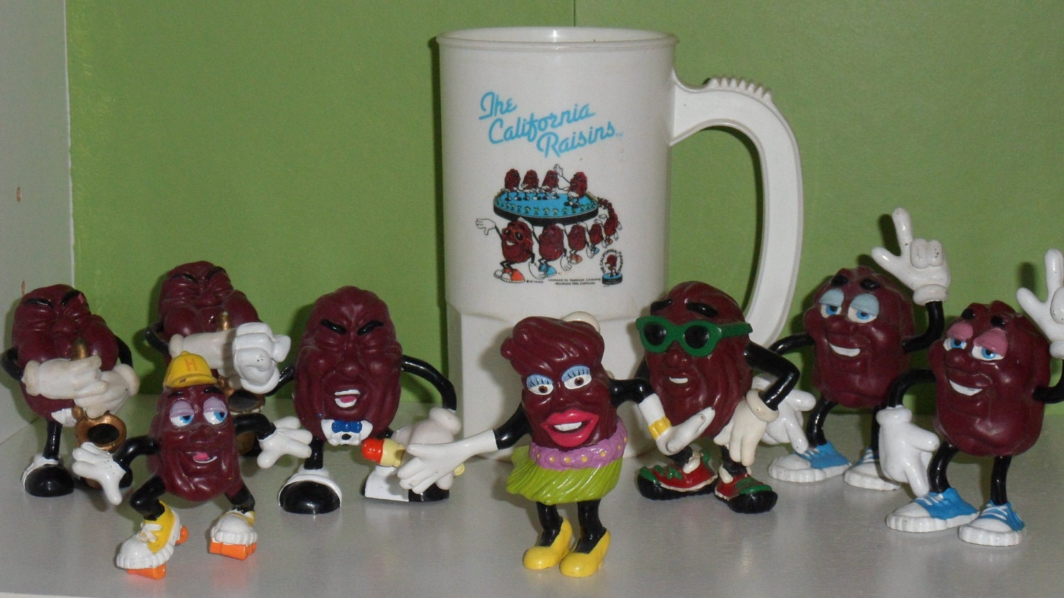 California Raisin Collection Hardees Fast By