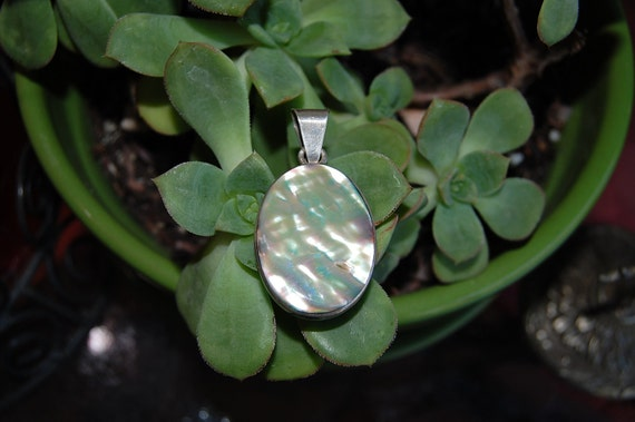 reserved SALE//vintage 1970's ABALONE shell silver pendant charm 925