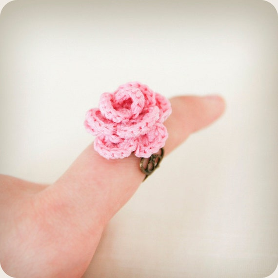 adjustable antique bronze plated ring with pink flower