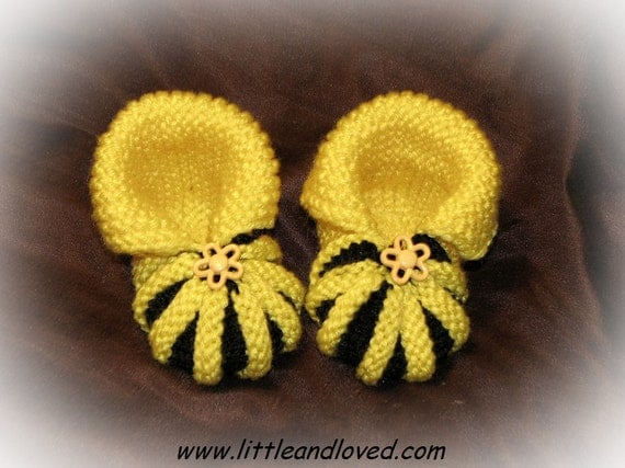 Baby bee booties black yellow decorated 0-6 months