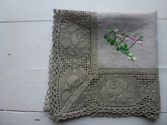 Vintage Swedish tablecloth / Embroidered linen with lace