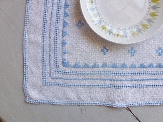 Vintage Swedish tablecloth / Geometric pattern