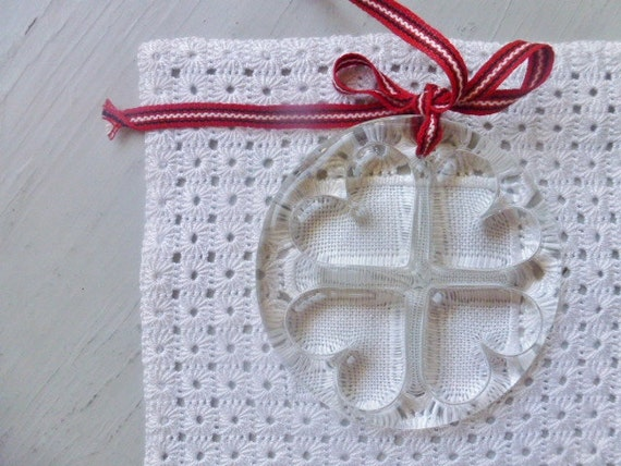 RESERVED / SOLD Vintage Swedish glass pendant / Paper weight / Sun catcher