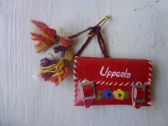 50 % OFF Vintage Swedish brooch / 50s bag brooch