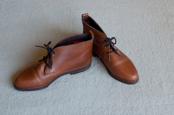 RESERVE for kittycannon SIZE 5- 1980s brown lace up DEXTER ankle boots