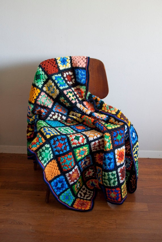 1970s GRANNY SQUARE black and bold colors blanket