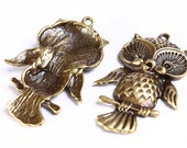 43mm x 27mm Owl bird charm pendants antique brass antique bronze - nickel free lead free - 1 piece (550) - Flat rate shipping