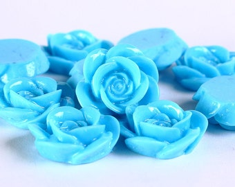18mm Baby blue rosebud cabochons - Flower cabochons - Floral cabochons - Rose cabochons - 10 pieces (370) - Flat rate shipping