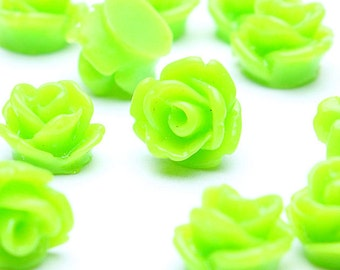 7.5mm green flower cabochon - Petite flower cabochons - Rosebud cabochons - 3D cabochons - 20 pieces (507) - Flat rate shipping