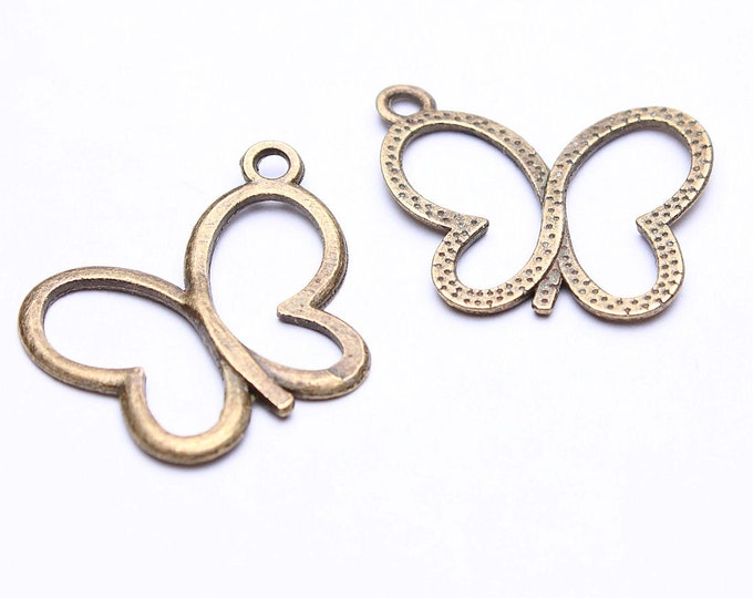19mm Antique brass butterfly pendant - Antique brass butterfly charms - Nickel free lead free (497) - Flat rate shipping