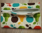 zippered snack bag: apples and pears