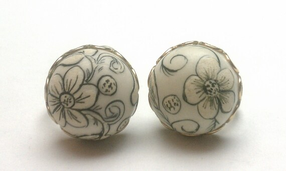 Hand Painted Bisque Unglazed Porcelain Flower & Leaf Screwback Earrings (J-11-177)