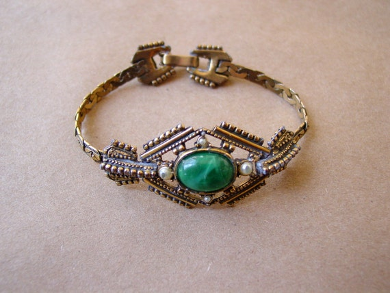 20s art deco bracelet / marbled green cabochon stone with pearls and intricate metal work