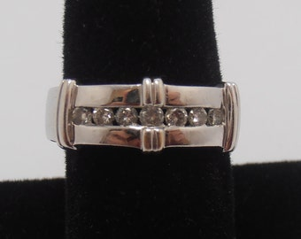 Estate White 14KT Gold 7 diamond ring   heavy    4 grams  band  wedding band  channel set engagment ring