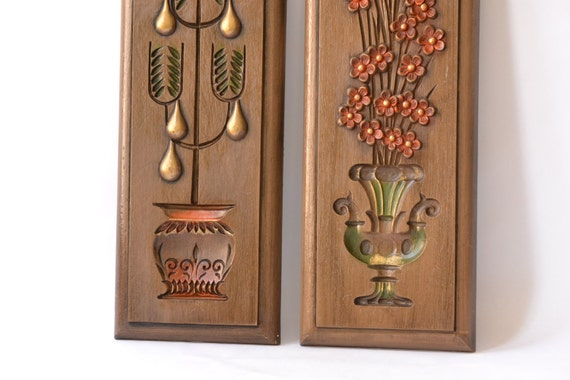 Retro faux-wood wall hangings
