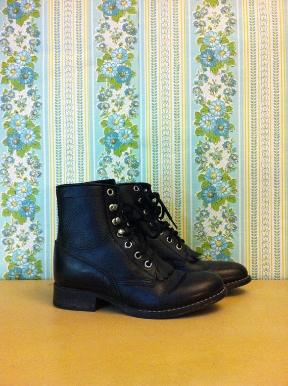 Vintage Tween Black Leather KIltie Riding Roper Boots Size 4 or 4.5
