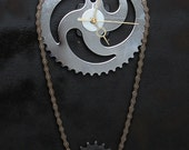 Bicycle Chainwheel Wall Clock Bike Sprocket Clock with Hanging Chain and Cog