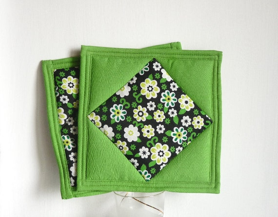 Apple green cotton patchwork quilted pot holders : set of 2