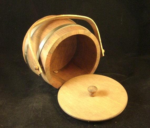 SALE Basketville Firkin Bucket Basket with Lid Vintage   Putney Vermont