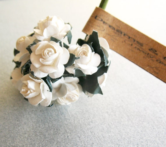 3 White Paper Flower Branchs -36 Paper Flowers -Small Paper Flowers -Flower Branchs -Mini paper flowers -Paper Flower with wire string