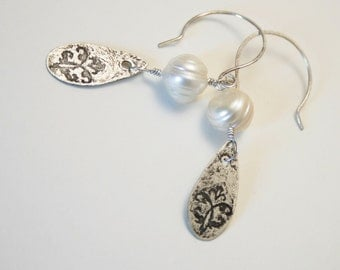 Etched teardrop and pearl French flourish