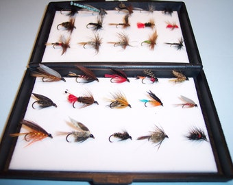 30 Trout Flies in Plastic Fly Box Consisting of 15 Wet Flies and 15 Dry Flies PERFECT XMAS GIFT