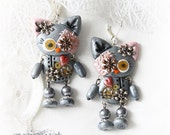 Steampunk cat. Steampunk kitten. Cat earrings. Kitten earrings. Clay cat. Clay kitten. Clay animal. Polymer clay. Steampunk earrings.