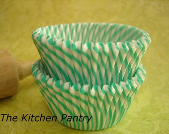 Green Stripe Cupcake Liners Baking Cups (100 COUNT PACK)