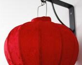 Shanghai, 1920.... -vintage hanging chinese lantern-red fabric - LaSartoria