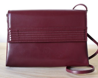 Vintage Italian Burgundy Purse. Vegan Leather Purse.