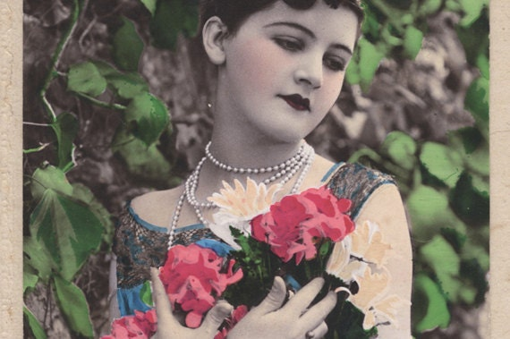 TO JULIA. Vintage photo. Lady with roses.