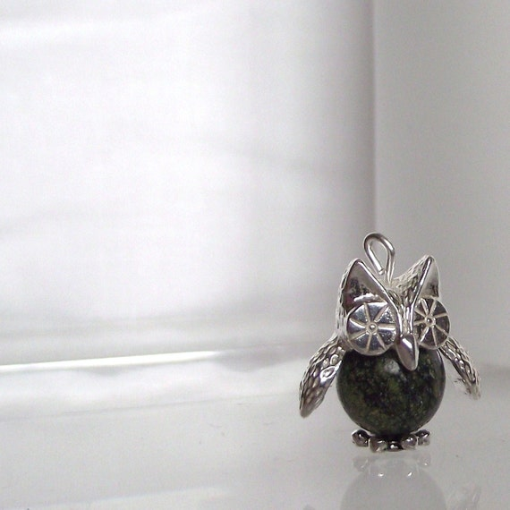 Charming Hand made Sterling Silver & Green Lace Jasper Barney Owl Charm Pendant