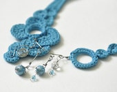 Minkar - Turquoise crocheted Necklace made of wire and ceramic beads