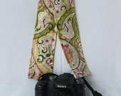 Stylish DSLR Camera Strap Cover - Made in Peru - Verderosa