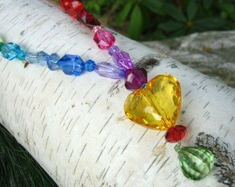 Rainbow Heart Beaded Stetch Necklace (Yellow): power jewelry for little princesses