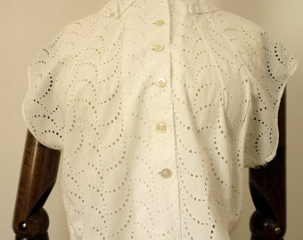 1950s white broderie angliase blouse M/L