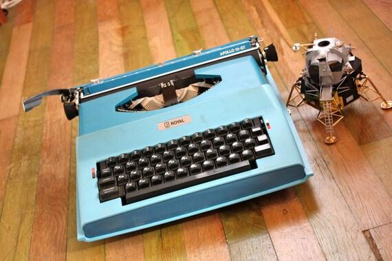 Royal Apollo 12 GT Typewriter Cool Blue