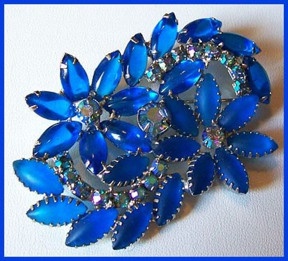 "Vintage JULIANA D&E Brooch Peacock Blue and Ab Rhinestones Flower Cluster Open Back 3"" Ex"
