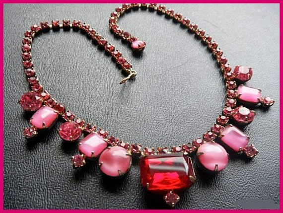 "Vintage Statement Necklace Choker Style w Red Pink Rhinestones & Gold Metal 15.5"" EX"