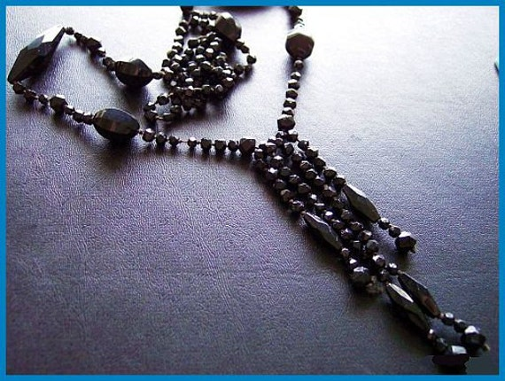"Victorian Flapper Necklace w Black Jet or Glass Mourning Beads Hand Strung & Knotted 30"" EX"
