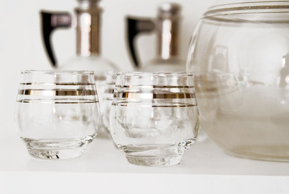Vintage 11pc Atomic Style Pyrex Carafes & Glasses Set