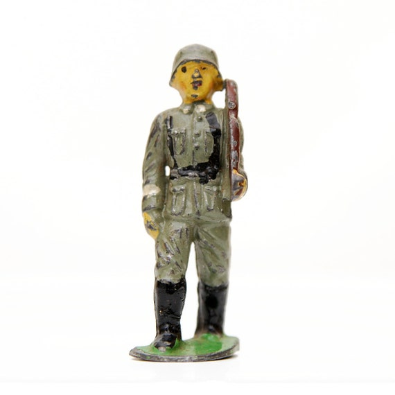 DESTASH Die Cast Soldier