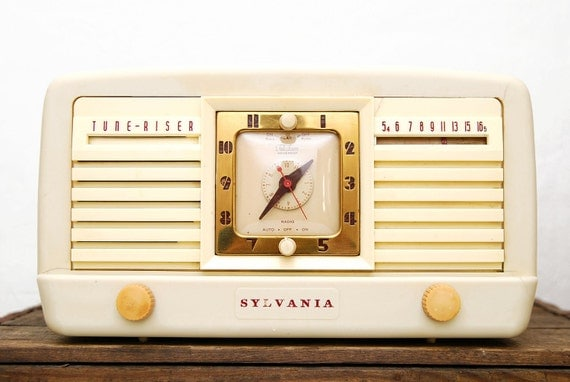 RESERVED SALE Sylvania Tune Riser Clock & Tube Radio