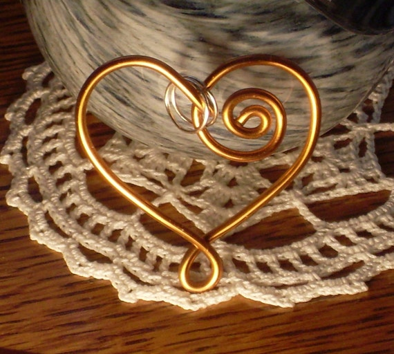 Romantic BRONZE HEARTSHAPED Aluminum Wire PENDANT With Silverplated Jump Rings
